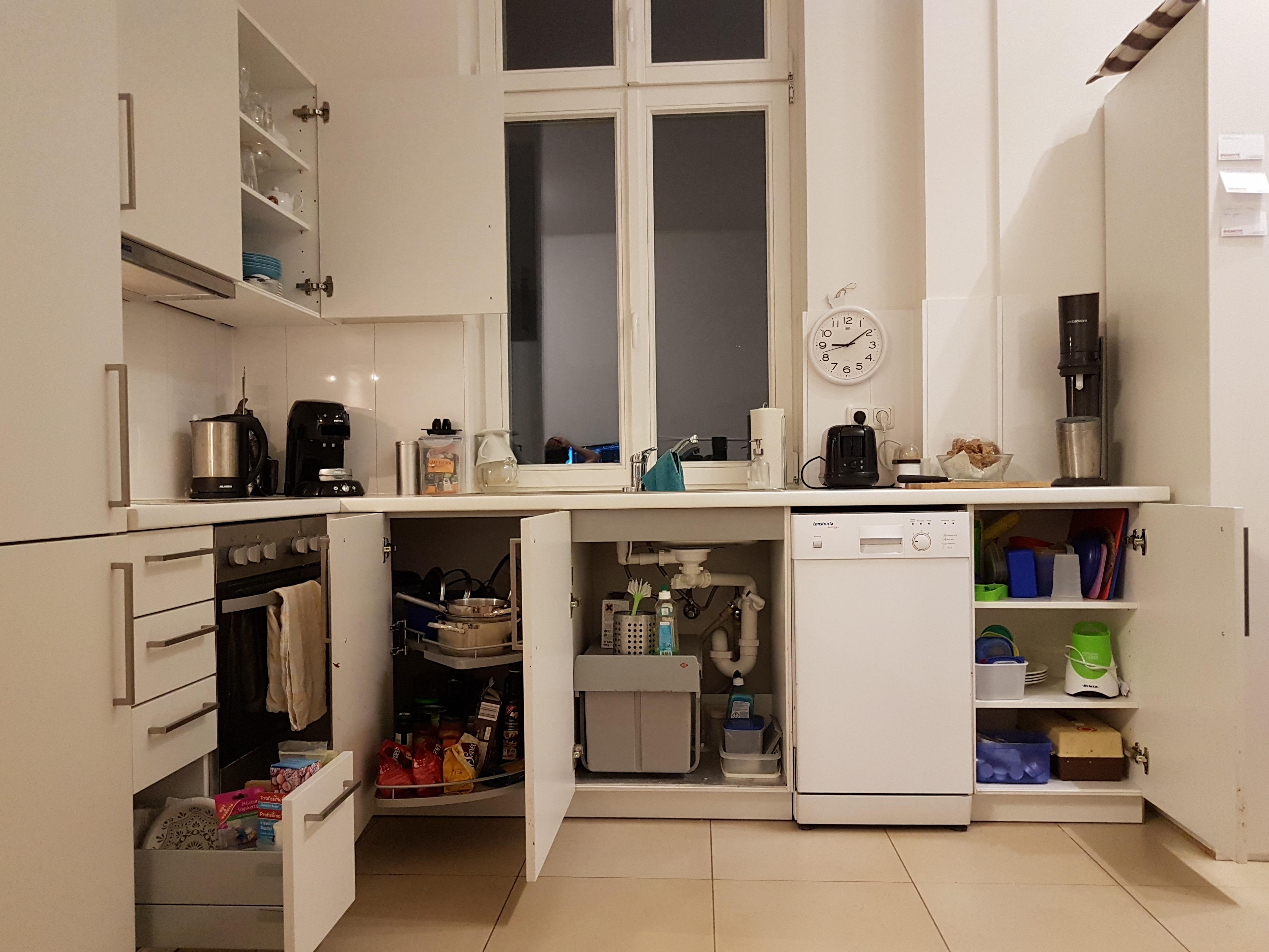 Küche und Wohnzimmer nach KonMari